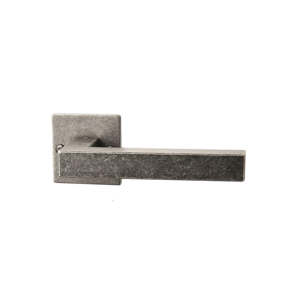 deurkruk-smeedijzer-ischgl-zijdemat-gepassiveerd-doorhandleshop.nl-halco-06010211001